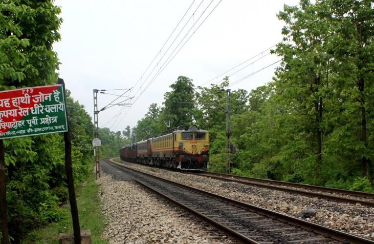 पीटीआर के बीच से तीसरे रेलवे ट्रैक को बिछाने मामले में हल निकलने की उम्मीद कम..