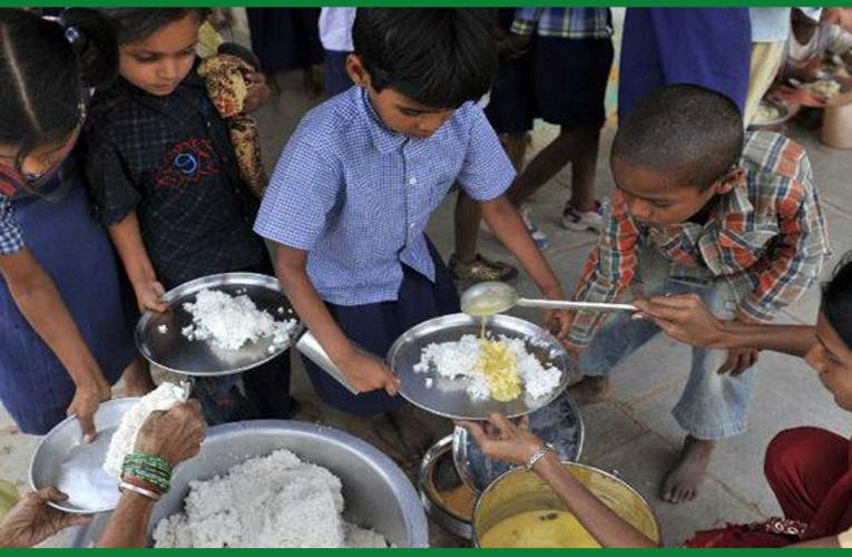 झारखंड में मिड-डे मील योजना की महिला रसोइयों को सरकार ने दी ये सौगात..