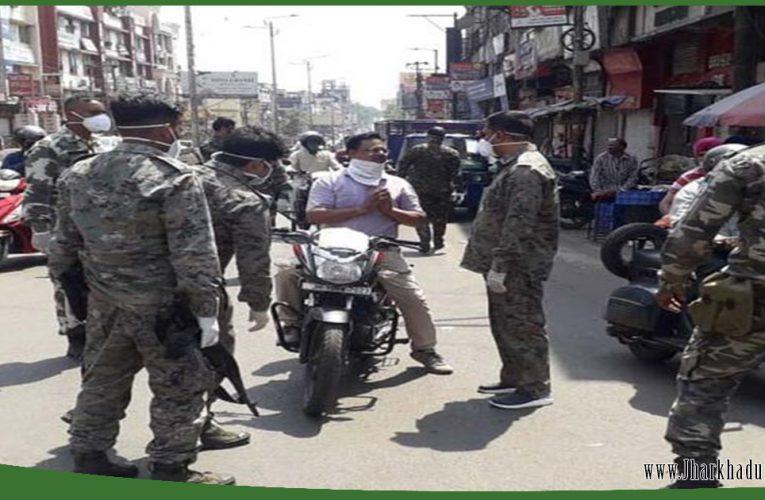 लॉकडाउन में और सख्त हुई पुलिस, सड़कों पर अतिरिक्त पुलिस की तैनाती..