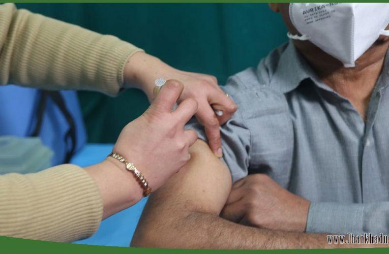 COVID Vaccine: हाई रिस्क ग्रुप में 22 तरह के लोग, सबसे पहले इन्हें लगेगा कोरोना का टीका..