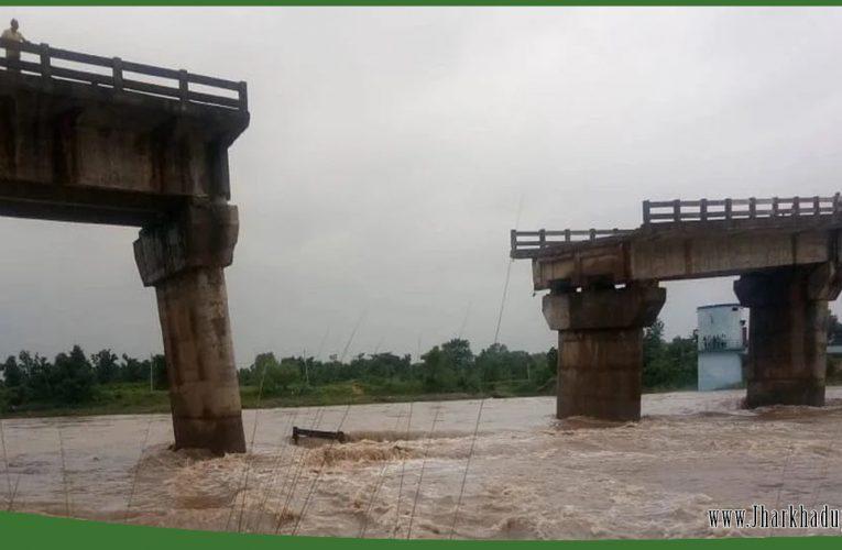 रांची: बामलाडीह पुल टूटा, तमाड़ और सोनासातु का संपर्क कटा..