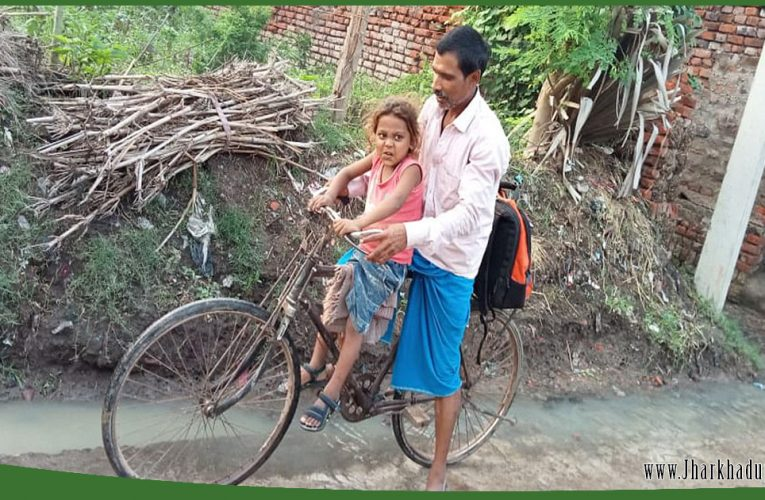 Dilip Yadav cycled 400 km every month for getting blood transfusion of his thalassemic son, now will be treated for free.