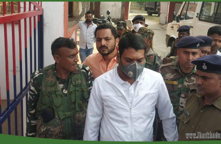 डिप्टी मेयर नीरज सिंह हत्याकांड के आरोपी पूर्व विधायक संजीव सिंह धनबाद जेल में होंगे शिफ्ट..