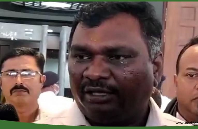 सदन से रोते हुए निकले विधायक अमर बाउरी, कहा- स्पीकर ने बोलने नहीं दिया..
