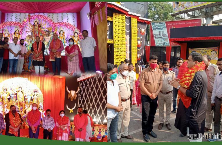 रांची : नगर आयुक्त ने किया पूजा पंडालों की सफाई व्यवस्था का निरीक्षण..