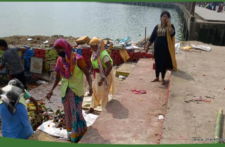रांची : बड़ा तालाब की सफाई में जुटी निगम